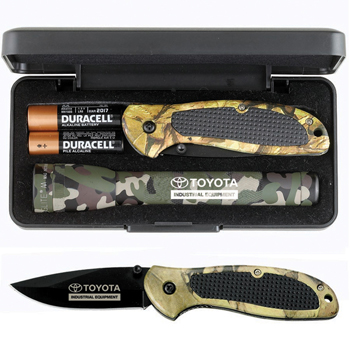 "AA Camo Mini MagLite® with ""Cougar"" Pocket Knife"